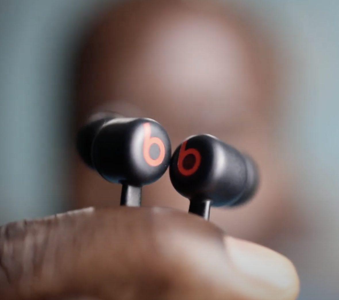Beats Flex Wireless earphones mag